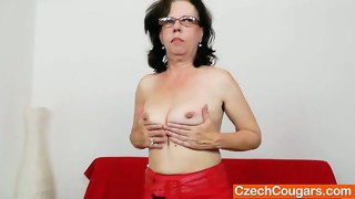 brunette,close up,cunt,fisting,mature,milf,mom,older,sologirl